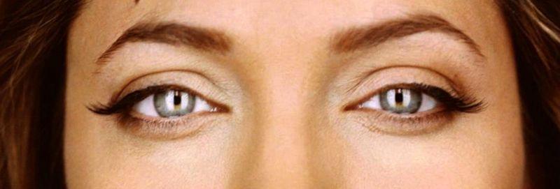 Jolie brows2